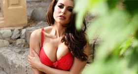 charley-s-in-red-lingerie