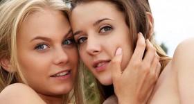 outdoor-lesbos