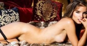 roos-van-montfort-naked