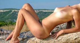 erotic-outdoor-babe