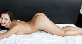 naked-oretha