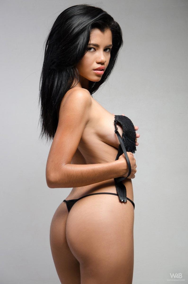 slim thick ebony