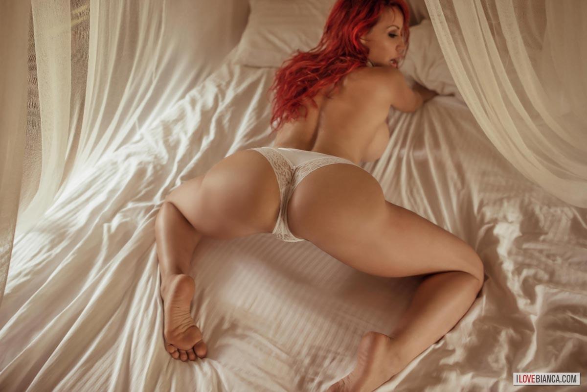 Hope, Nude women in bed