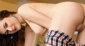 serena-in-stockings