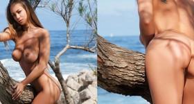 sexy-nudist-vivien