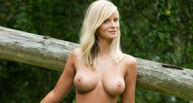 miela-loves-the-outdoors