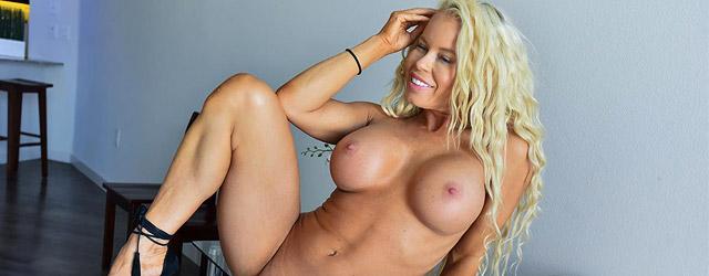 Petite Busty Nikki Delano