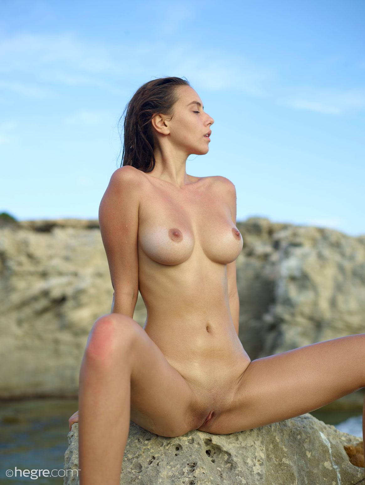 Small white girls nude self shot