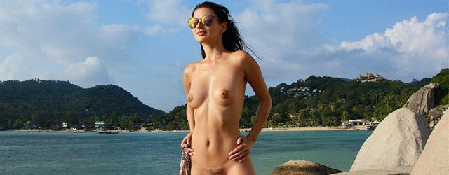 Jasmine Jazz Bikini Tease