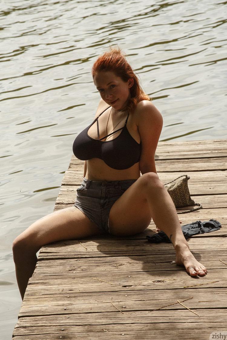 Berneray nude kelsey Kelsey Berneray