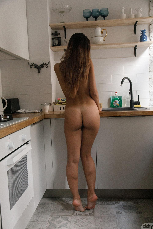 Kitchen nude
