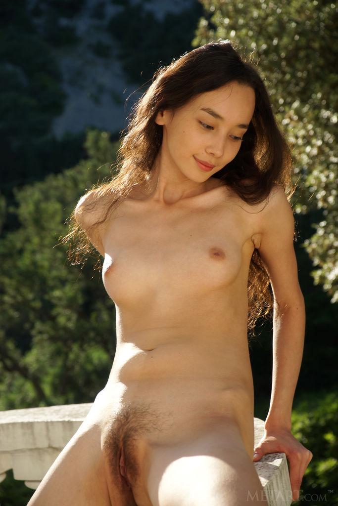 Pretty girls nude