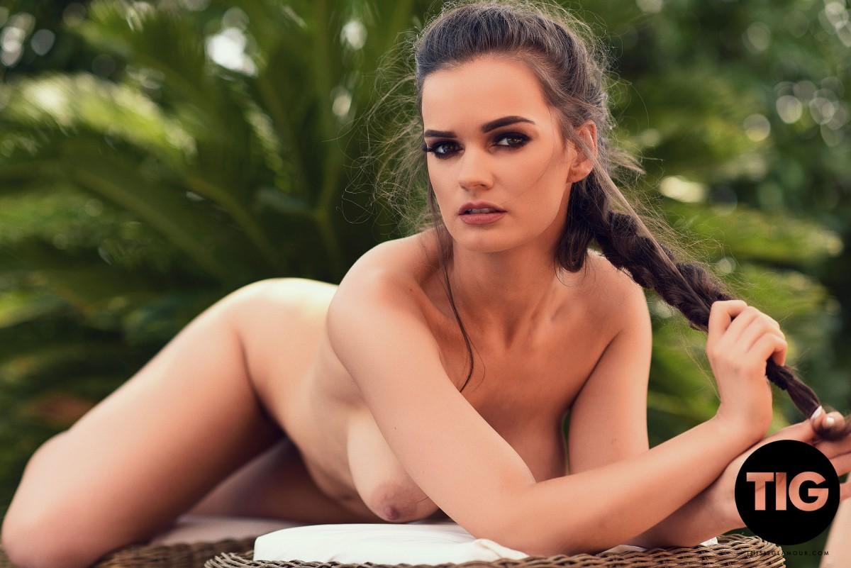 Nude ashley white Ashley Graham