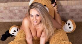 nikki-sims-teddy-bear