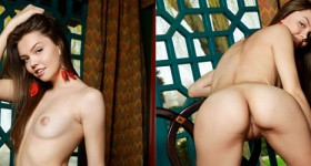 tammie-lee-naked-and-alone