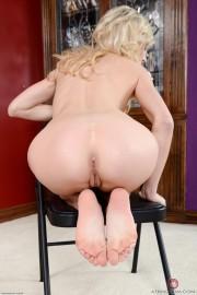 Zoe Hot Pussy